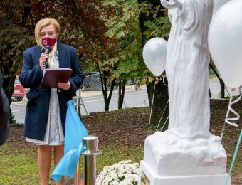 Intézményvezetői köszöntés a Mária szobornál