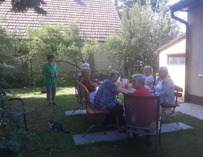 foglalkozás a demenciával élők nappali ellátásában