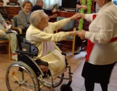 101 éves Muci néni tánca