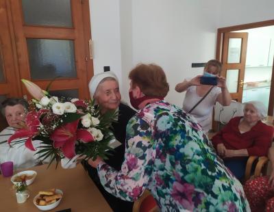 Júlia nővér köszöntése 90 lves